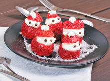 Cheesecake-Stuffed Strawberry Santas