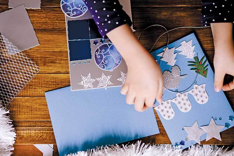 Make your own holiday greeting cards with the kids