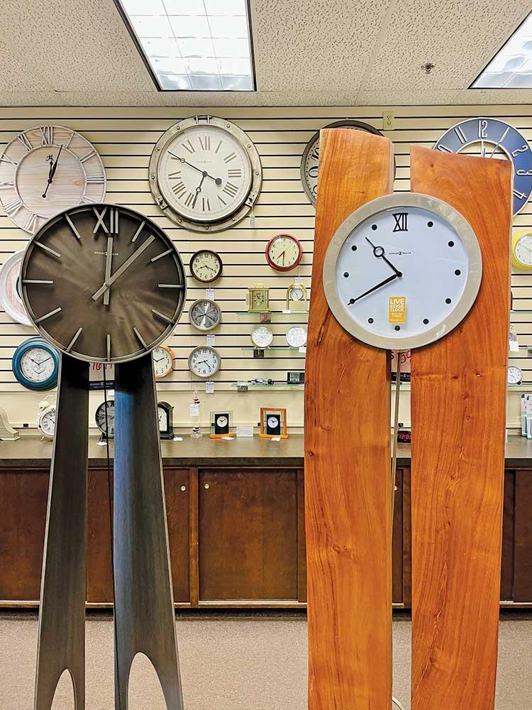 Howard Miller clocks, Teerman's, Holland