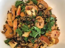 Chicket and wild rice with apples